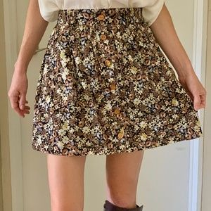Lily White Floral Skirt with Pockets